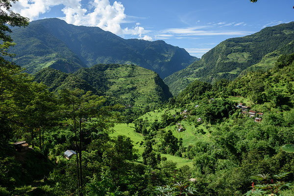 Blick von Bahundanda in Richtung Ngadi