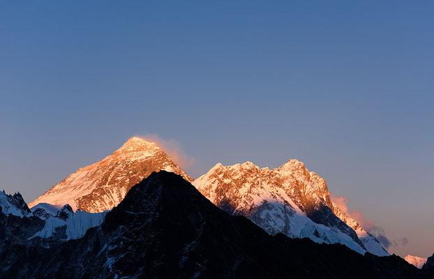 Mount Everest, Nuptse und Lhotse im Abendlicht