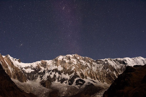 Annapurna I mit Sternenhimmel