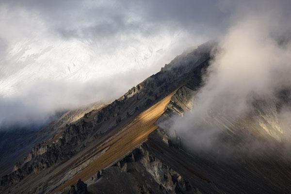 Bergflanke am Tilicho Basecamp