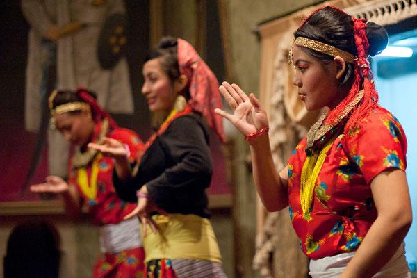 Tänzerinnen in Kathmandu