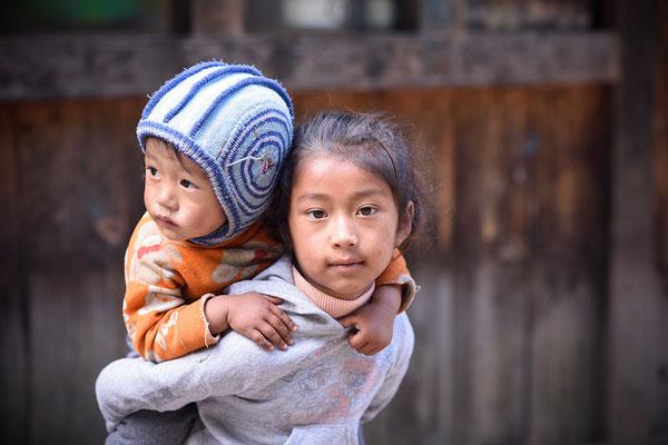 Kinder bei Lukla