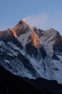 Lhotse bei Sonnenaufgang