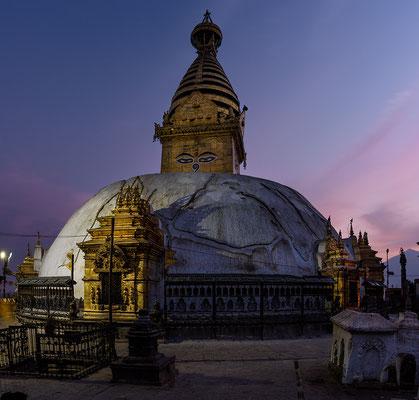 Stupa von Swyambunath im Abendlicht