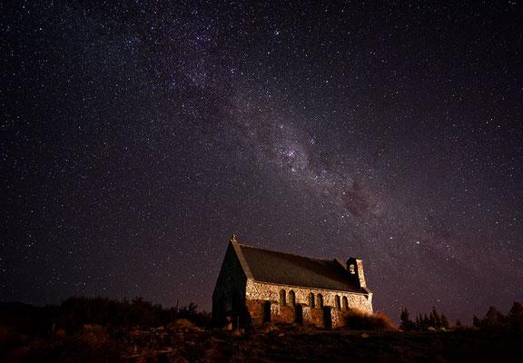 Kirche in Tekapo und Milchstraße