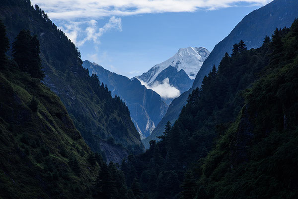 Blick von Dharapani in Richtung Nordost