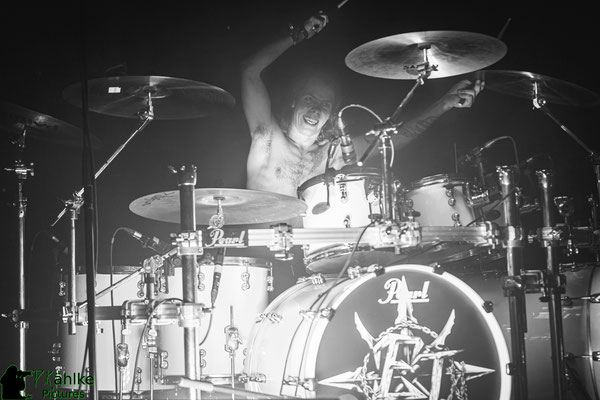 Evil Invaders || Descend Into Madness Tour 2020 || 12.03.2020 || Backstage München