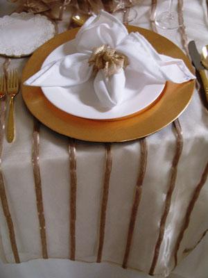 camino de mesa navidad elegante oro blancos mutti banquetes ambrosia