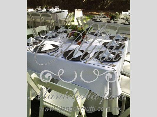 montaje elegante pique español apiezado blancos mutti flores eventos manteleria fina mutti