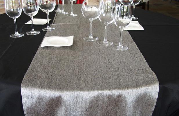 cubremantel camino plata jaspeadoa elegante graduaciones
