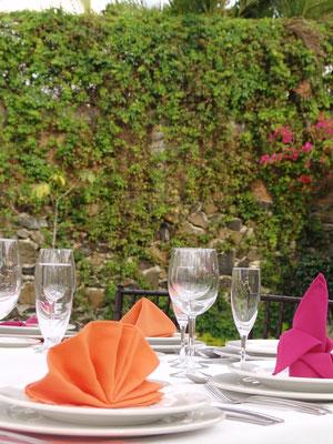 montaje servilletas marionni´s banquetes
