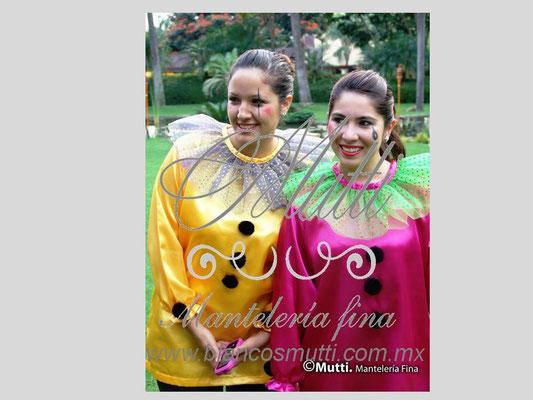 xv años cumpleaños tematico circo fiesta diversion disfraces payasos quinceañera textiles mutti