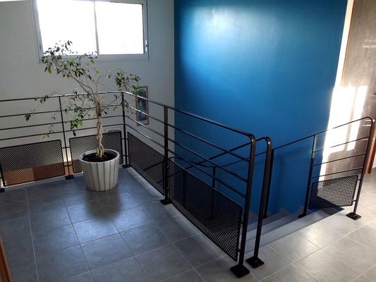 Rampe d'escalier et garde corps de trémie.
