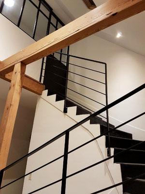 Rampe d'escalier design épuré