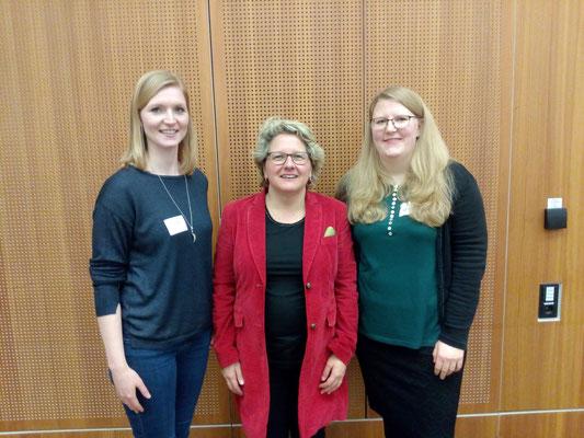 Ann-Kristin Kolwes, Svenja Schulze (Ministerin für Innovation, Forschung und Wissenschaft des Landes NRW) und Verena Limper