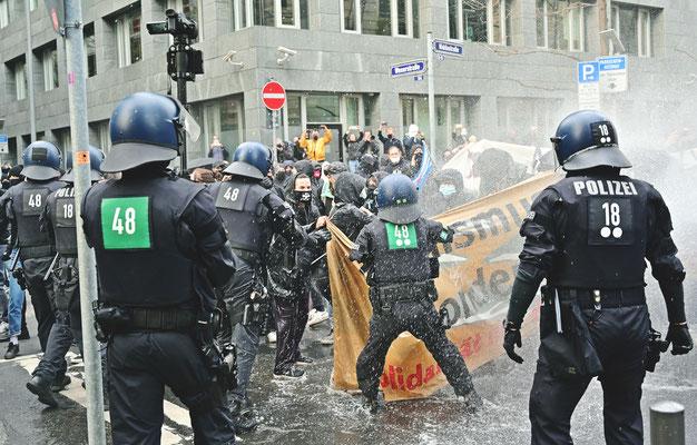 riot street