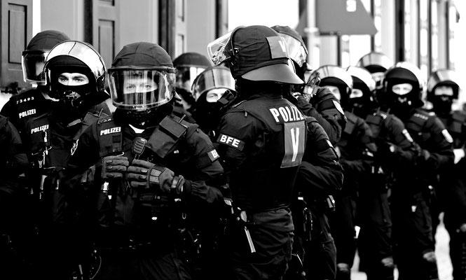near riot - fear riot
