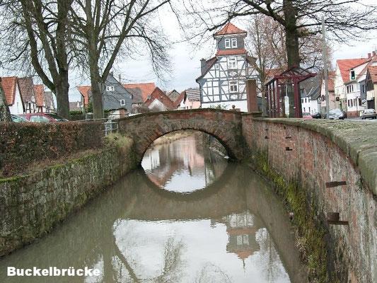 Buckelbrücke
