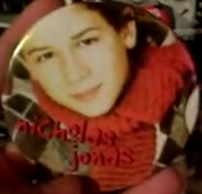 Nicholas Jonas pin - Credit @LeoADion