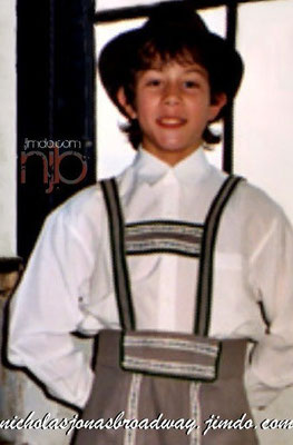 Nick as Kurt -NJB Exclusive! Rapha's magic once more. - credit nicholasjonas.com