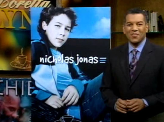 Nicholas Jonas Second Cup Cafe, November 6 2004 - Credit NJB