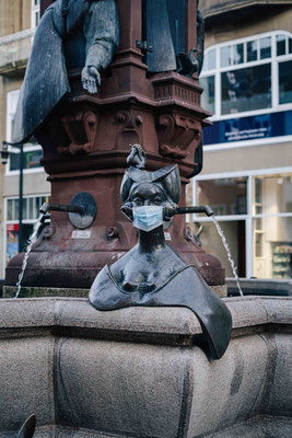 Maskenpflicht am Kaiserbrunnen