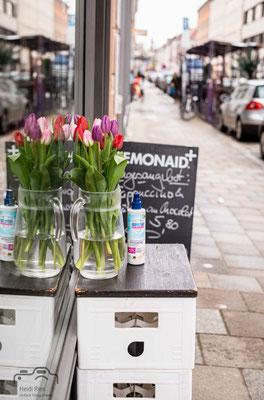 Blumen und Hygienespray