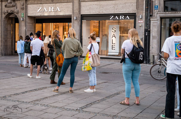 Anstehen bei Zara