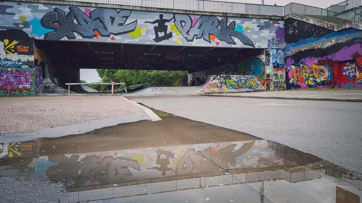 164|365 12.05.2016 - Spiegelung am Skaterplatz