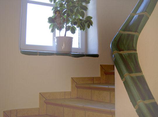 Fensterbankerl harmoniert zum Geländer