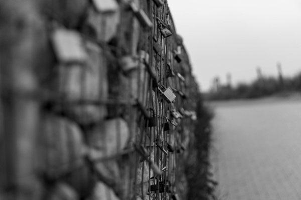Steinmauer an der Ostsee