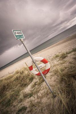 Für Sicherheit ist an diesem Strand in Dänemark auf jeden Fall gesort