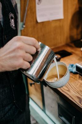Wildkaffeemobil, Kaffeemobil Kaffeeape, mobiles Kaffee, Hochzeit, Latte Art, Baristakurse