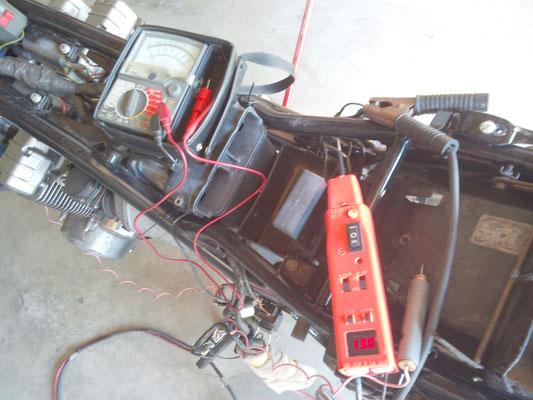 電装整備、バイク(2輪車)スタータ、点火回路点検修理 www.e-arts.net/