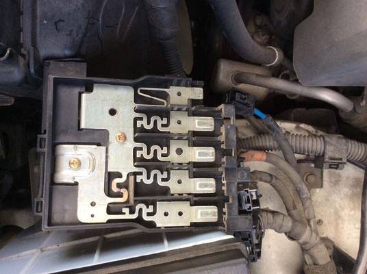 自動車電装整備、ヒューズBOXの診断修理 www.e-arts.net/