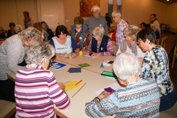 konzentriertes Arbeiten bei unseren Workshops