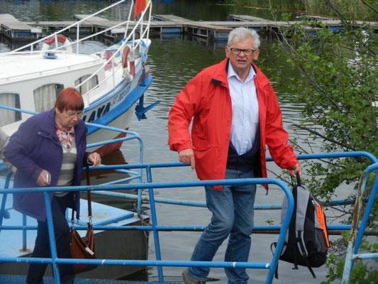Unser Reiseleiter Alfred verlässt das Schiff