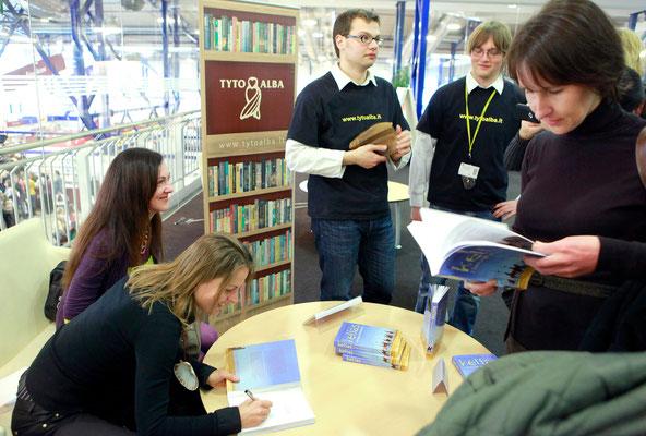 Pirmasis autografas į pirmąją knygą