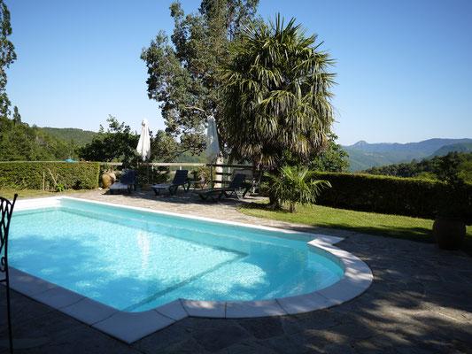 la vue depuis la piscine