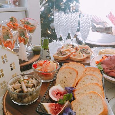 パンで繋がった方々と持ち寄りクリスマスパーティ