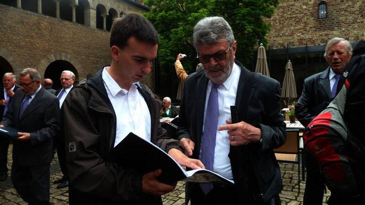 Reinhold Neisius und Jakob Dietz im Gespäch