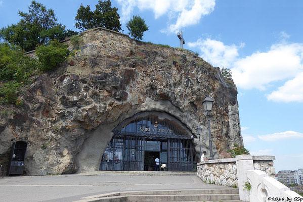 Blick von der Felsenkapelle auf die Freiheitsbrücke