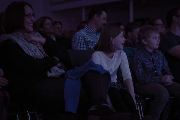 """Um es mit den Worten einer Zuhörerin zu sagen: """"Ihr konntet 3 Generationen begeistern: Lea & Leni, die Oma und die Mama. Bravo!"""""""