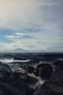 En el Mar entre rocas