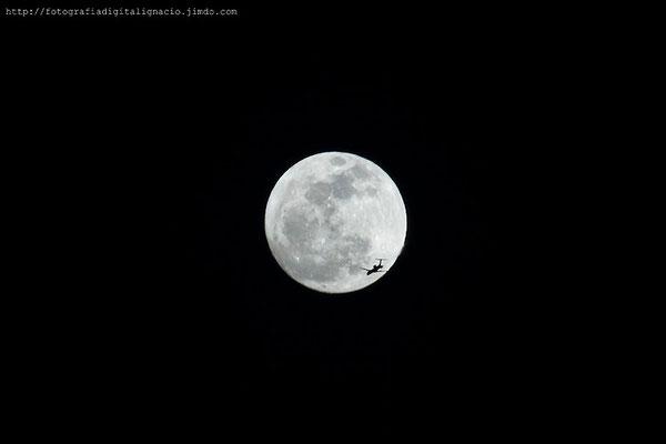 Viaje a la luna, realizada con el 55-250mm IS de Canon ISO 100
