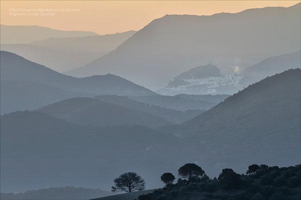 Zahara de la Sierra al o lejos