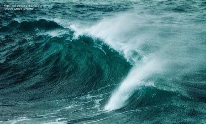 El romper de una ola.