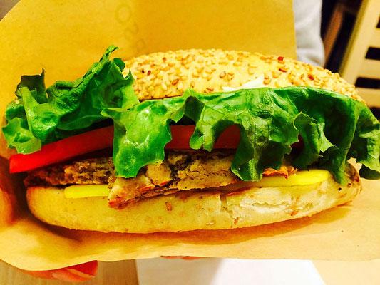 vegan cheeseburger universo vegano parma italy