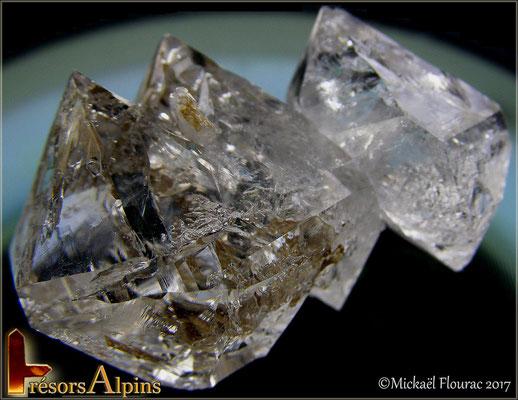 Quartz Diamants fenestrés avec inclusions d'argile , (Savoie)