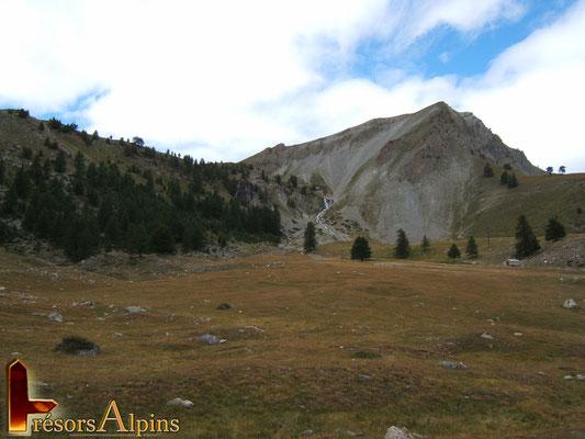 Sur le chemin du lac St Anne (Massif du Queyras, Hautes-Alpes)